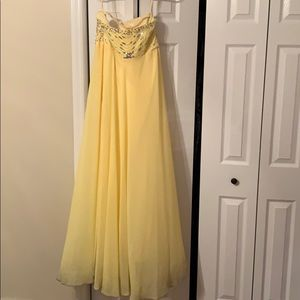 Dresses & Skirts - Beaded ball gown